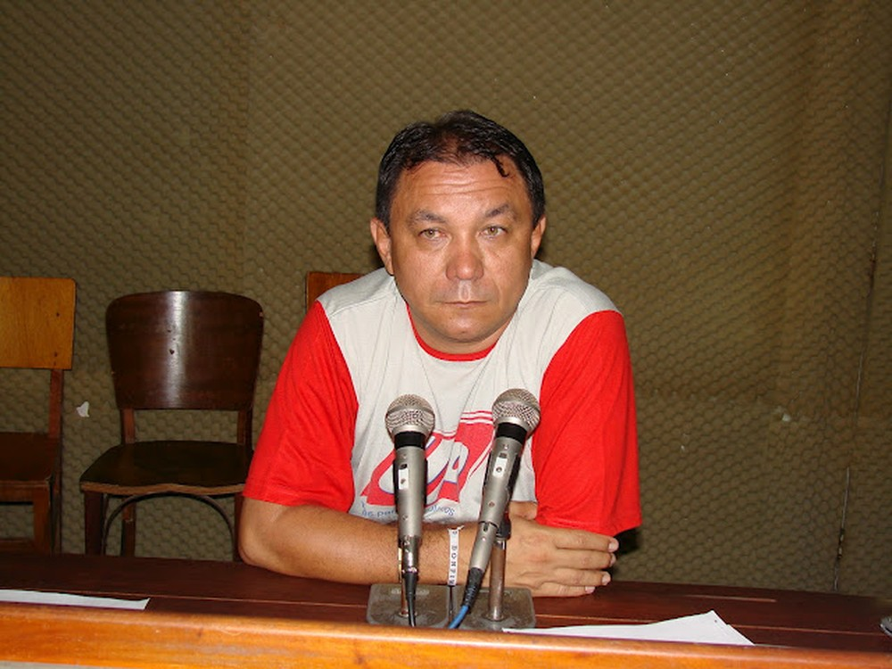 Resultado de imagem para imagens  radialista F.Gomes