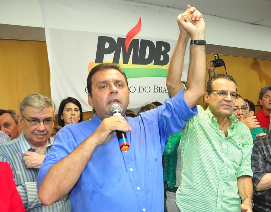 Resultado de imagem para Carlos Eduardo Alves Robinson Faria na campanha