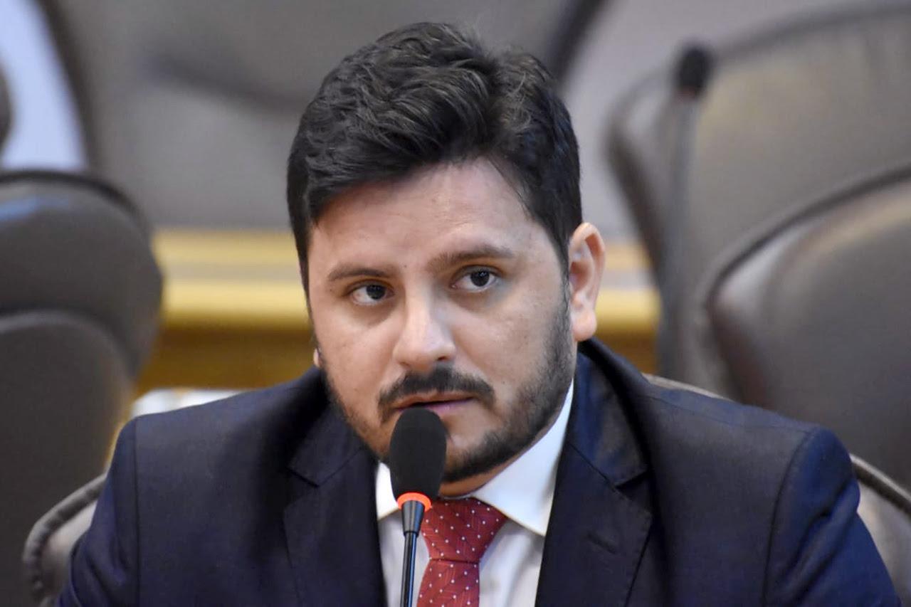 Resultado de imagem para deputados carlos augusto maia