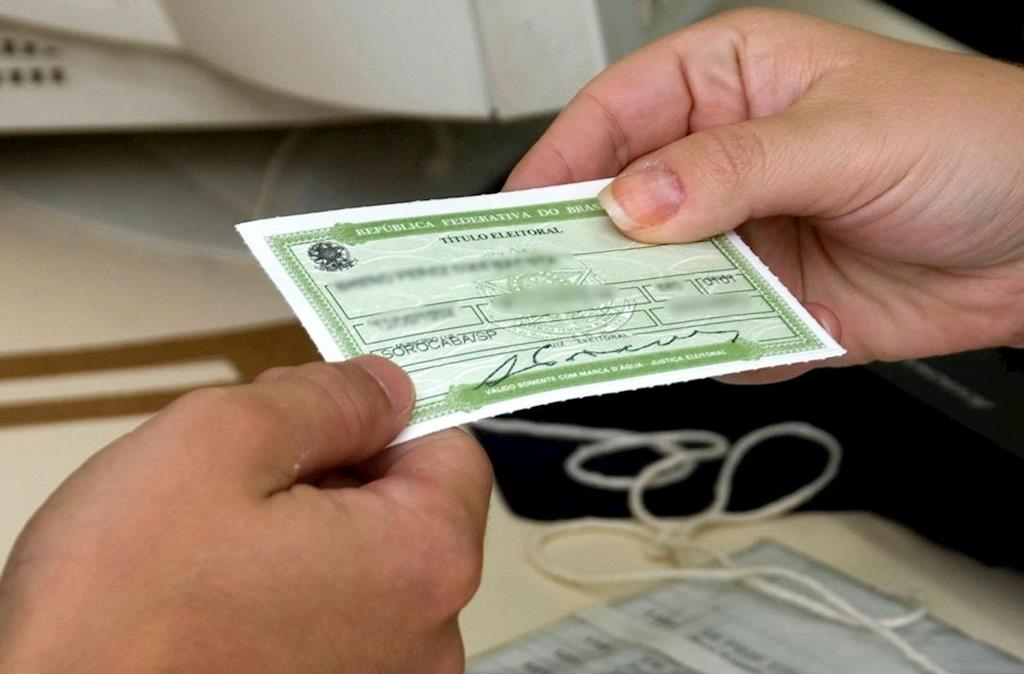 Resultado de imagem para Eleitores podem emitir certidão de quitação eleitoral no site do TSE a partir desta segunda-feira
